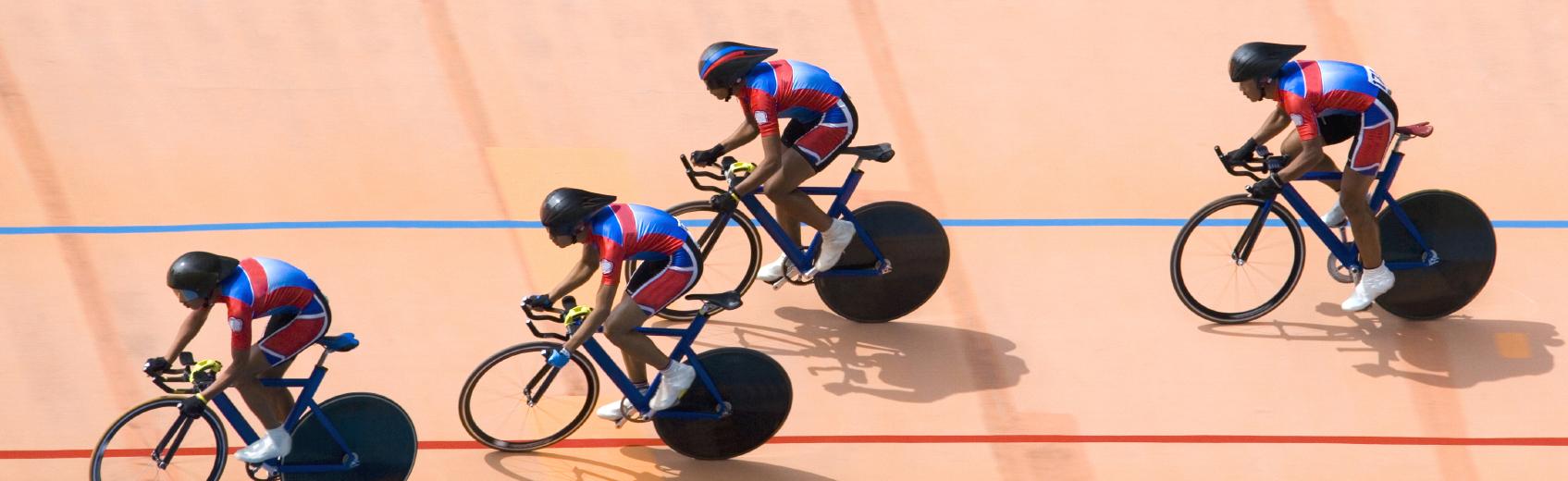 Le cyclisme sur piste est un sport olympique peu médiatisé et pourtant très technique et spectaculaire.  L'université de Genève vous propose de vivre une expérience unique en apprenant à rouler sur un plan incliné avec un vélo sans vitesses et sans frein.  Cette activité développe essentiellement l'endurance, la vitesse, la force, l'équilibre et vous procurera une bonne dose d'adrénaline !